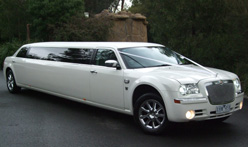 White Chrysler 300